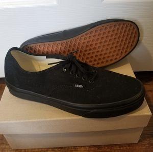 New black Vans M9.5 W11